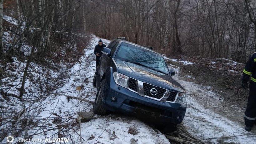 Un turist ce făcea cu mașina traseul Scoția - R. Moldova a rămas blocat în România. Greșeala care putea să-i fie fatală
