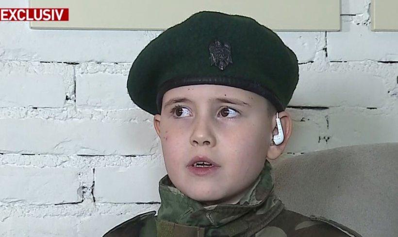 Copilul patriot care a impresionat întreaga țară. La doar șapte ani, Adrian deține vaste cunoștințe în istorie