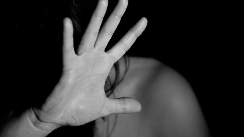 Femeie agresată în lift de un tânăr, în Botoșani. Agresorul a fost reținut