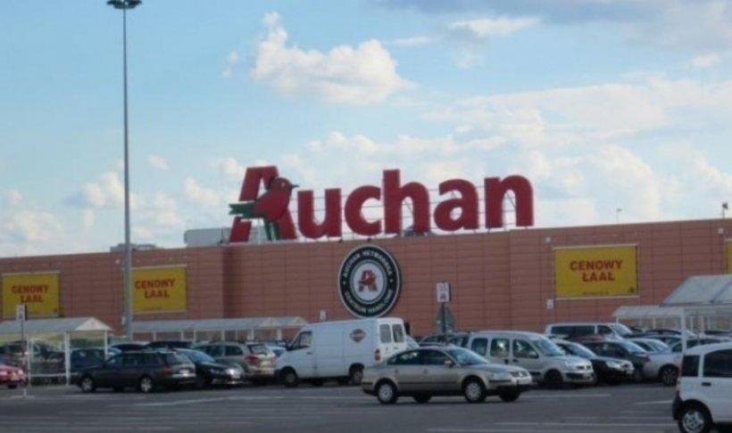 Panică în Capitală. Un hipermarket Auchan, evacuat de urgență (VIDEO)