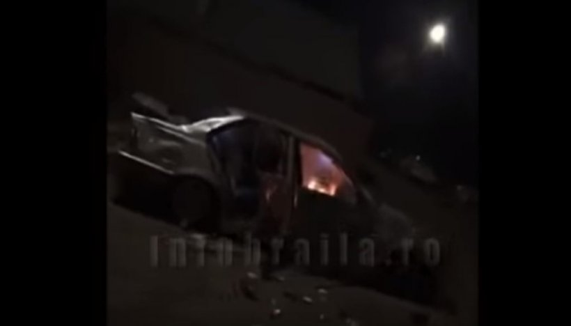 """Un brăilean și-a dat foc la mașină în mijlocul străzii și a transmis totul, LIVE, pe Facebook. """"M-am plictisit de ea!"""""""