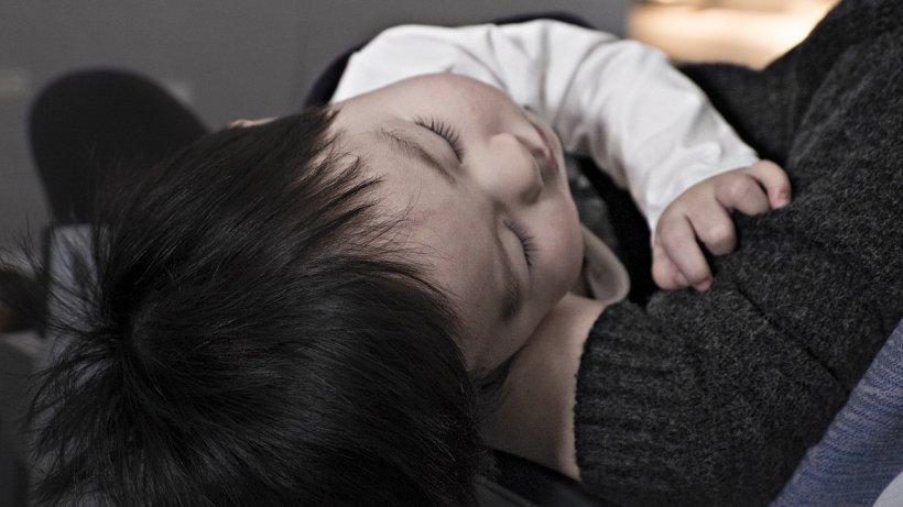 """Un cardiolog pediatru din București trage un semnal de alarmă, în plin sezon de gripă. """"Copiii se plâng frecvent că nu mai pot să meargă!"""""""