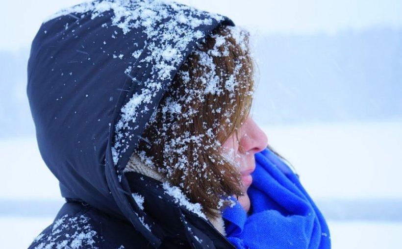 Se schimbă vremea: Cod galben de zăpezi viscolite și vânt puternic, în peste jumătate de ţară