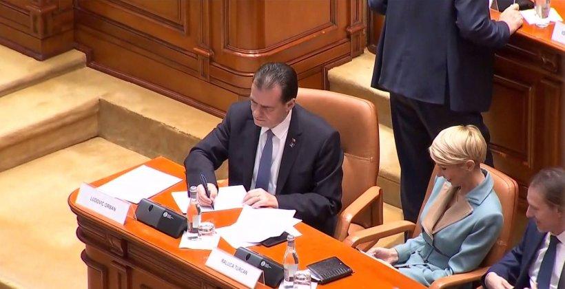 Acuzații grave la adresa Guvernului Orban. Ghinea, USR: Au legiferat ceva și acum niște funcționari termină textul. Eu zic să nu riște nimeni pușcăria!