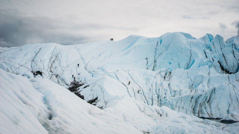 Ninsori ca pe vremuri, în România. Unde este cel mai mare strat de zăpadă, de aproape 150 centimetri