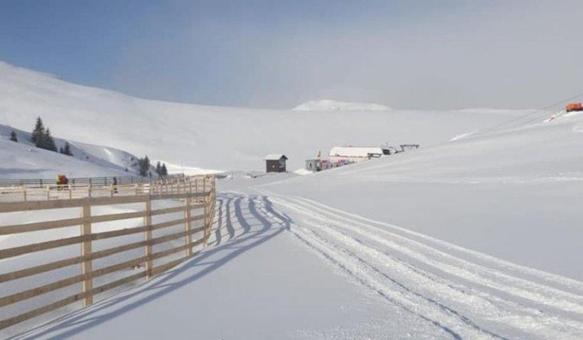 În Capitală sunt temperaturi de primăvară, la Sinaia - strat gros de zăpadă - GALERIE FOTO