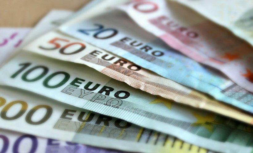Euro a depășit pragul de 4,8 lei, fiind cea mai mare cotație din istorie. Explicațiile purtătorului de cuvânt al BNR