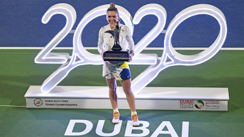 """Simona Halep, noi declarații după ce a câștigat finala de la Dubai: """"E foarte special să fii în 2020, la a 20-a aniversare a acestui turneu, al 20-lea titlu al meu. Vreau să mă bucur de el, e forte frumos"""""""