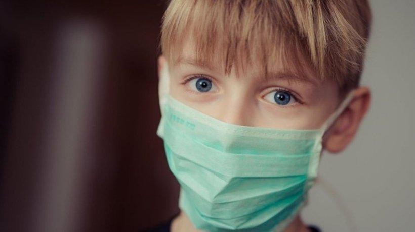 De ce copiii se îmbolnăvesc mai greu de coronavirus