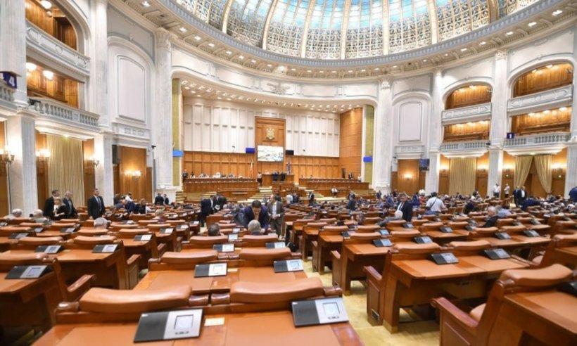 Ședința de plen pentru învestirea Guvernului Orban s-a încheiat după câteva secunde: Nu există cvorum!