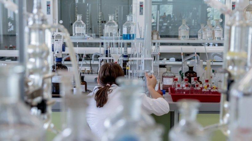 Coronavirus detectat instant prin respirație - o nouă speranță pentru lupta împotriva virusului