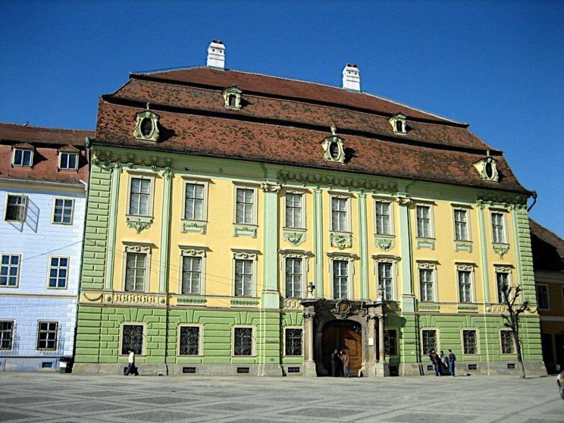 Porți deschise pentru femei la Muzeul Brukenthal de 8 Martie