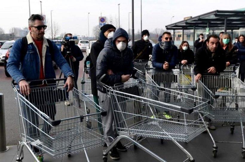 Un grup de voluntari format pe Facebook face cumpărături pentru persoanele izolate la domiciliu
