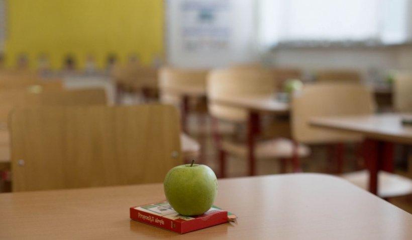 Aproximativ trei milioane de elevi stau acasă, începând de miercuri până pe 22 martie