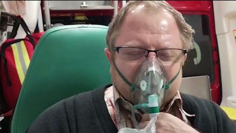 Bolnav cu simptomele COVID-19 din Deva, lăsat cu orele în ambulanță