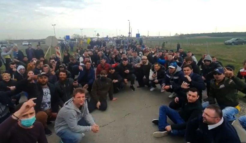 Mii de români blocați la granița Ungariei: 'Suntem disperați, nu mai avem apă'