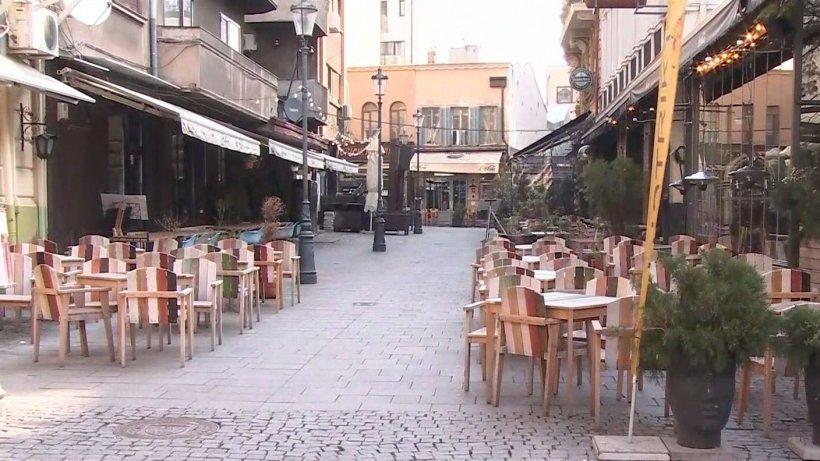 Imagini din Centrul Vechi. Barurile, restaurantele şi cafenelele au fost închise