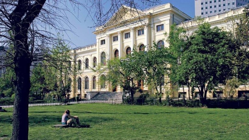 Tururi viruale oferite de peste 60 de muzee din ţară şi din întreaga lume
