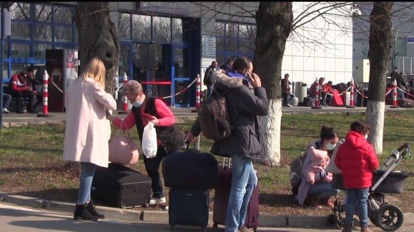 În plină pandemie, aproape 100 de români din Iaşi au plecat la muncă în Germania