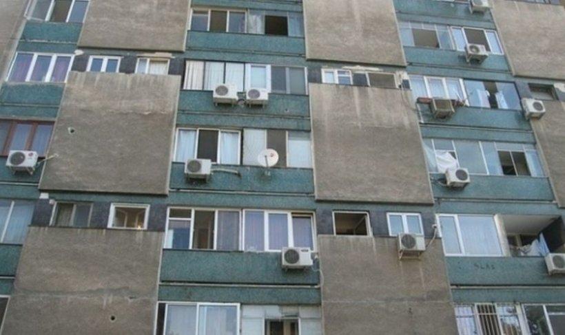 O adolescentă din Iași a căzut de la etaj, după ce a vrut să iasă din casă pe geam