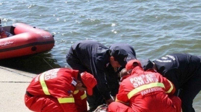 Cadavrul unui bărbat a fost descoperit pe albia unui râu, la Pucioasa