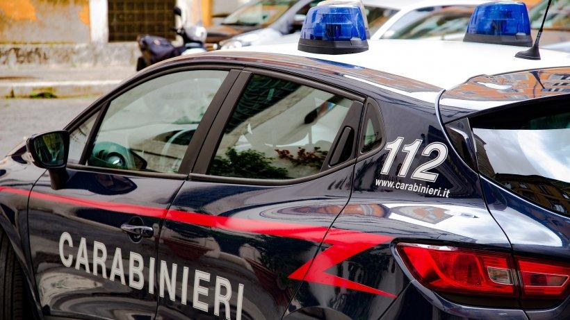Un român a fost găsit mort în casă, în Italia. Cadavrul a fost ridicat cu măsuri drastice de protecție contra coronavirusului