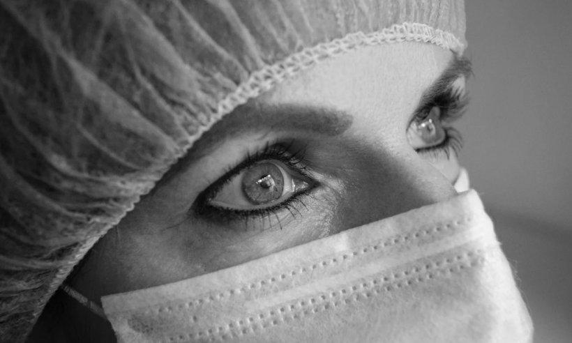 Sinteza zilei. Un medic infectat de la Suceava rupe tăcerea: Nici măcar o simplă mască chirurgicală nu era pe secții