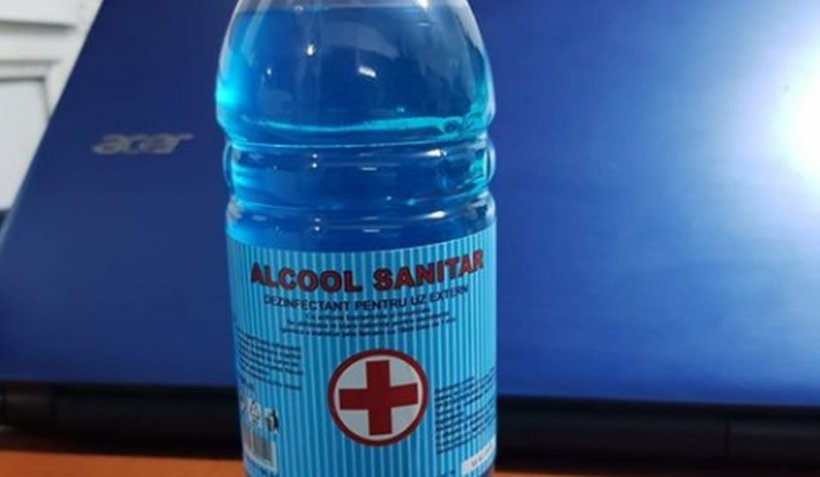 """Lichid de parbriz, vândut ca spirt medicinal. Mesajul Poliției Române pentru cei care """"se cred chimiști"""""""