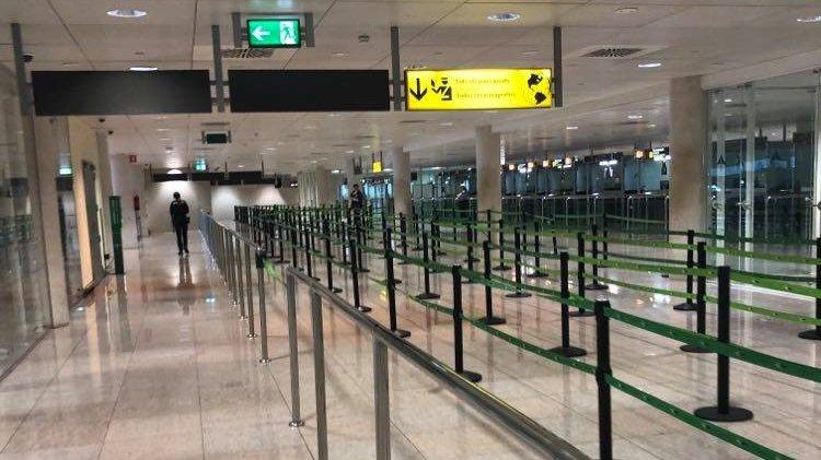 Cum arată un aeroport din Spania în timpul pandemiei. Imagini exclusive
