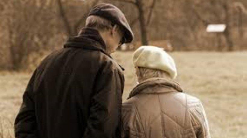 De azi, noi restricții: Vârstnicii au voie să iasă din case doar două ore. Ce situații de deplasare permite Ordonanța Militară nr.3