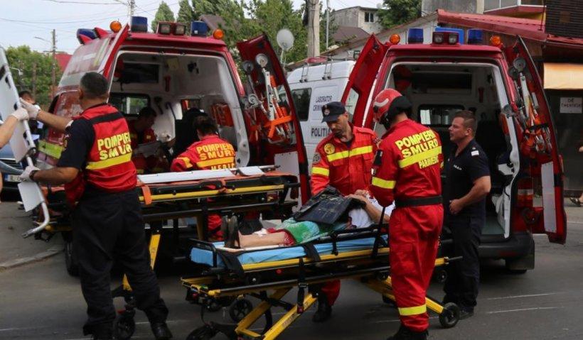 Un microbuz al ISU care transporta spre carantină 14 români întorși din Franța s-a răsturnat
