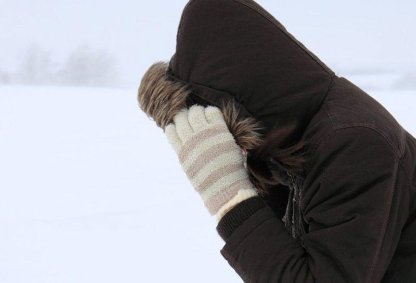 O femeie din Gorj a fost găsită moartă, îngropată în zăpadă. Descoperirea a fost făcută de un localnic