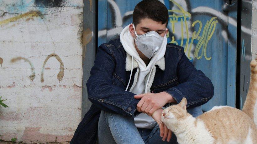 Cum luptă bulgarii cu coronavirus. Un medic român explică de ce nu le-a mai murit niciun pacient de aproape o săptămână