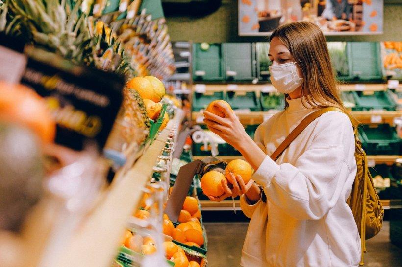Epidemiologul Molnar Geza, semnal de alarmă. Acestea sunt alimentele care ar trebui evitate în plină pandemie de coronavirus