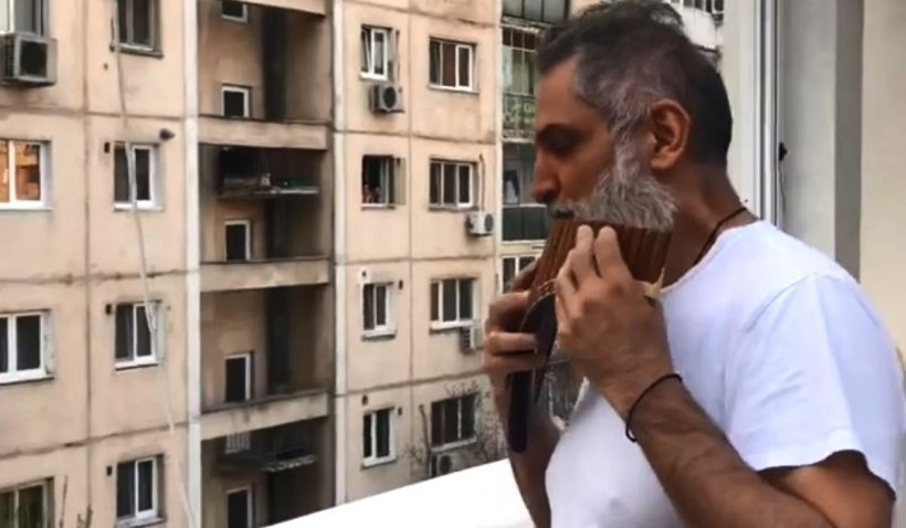 Damian Drăghici, moment emoționant în izolare: 'Azi am cântat pentru vecinii mei'