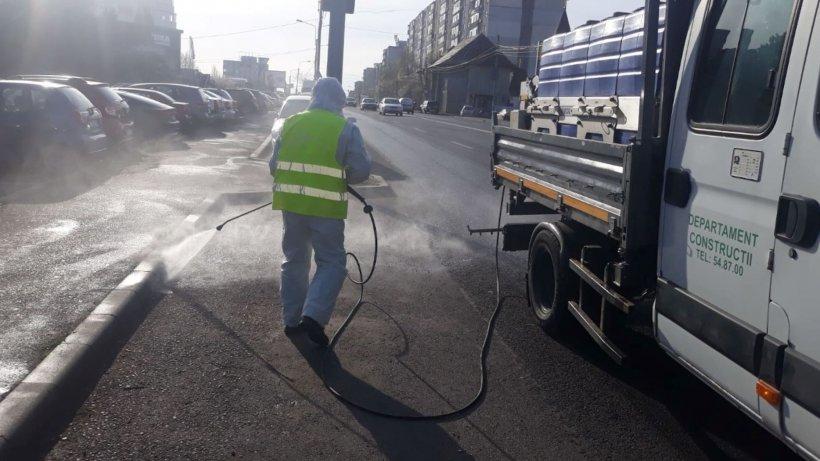 Dezinfectare masivă în Capitală. Peste 900 de străzi au fost spălate cu substanțe dezinfectante în mai puțin de 48 de ore
