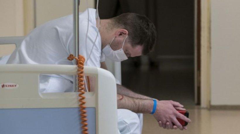 90 de asistente medicale și infirmiere au fost concediate, în plină pandemie, fără nicio explicație