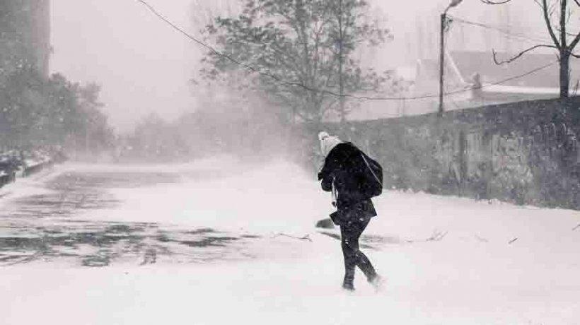Ninsori și vânt puternic în următoarele zile. Când vom scăpa de iarnă