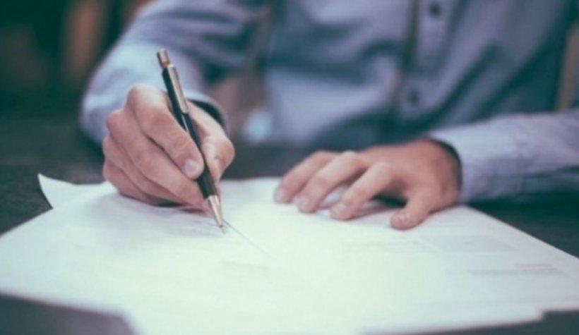 Lucrezi în mai multe locuri și intri în concediu de carantină? Primești indemnizație de la toți angajatorii