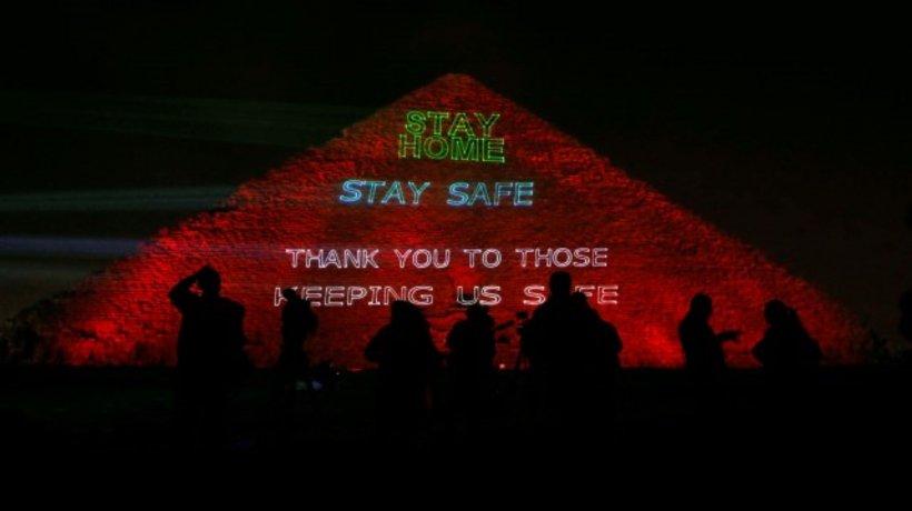 Mesaj pentru întreaga omenire proiectat pe Marea Piramidă din Giza dedicat luptei împotriva coronavirusului