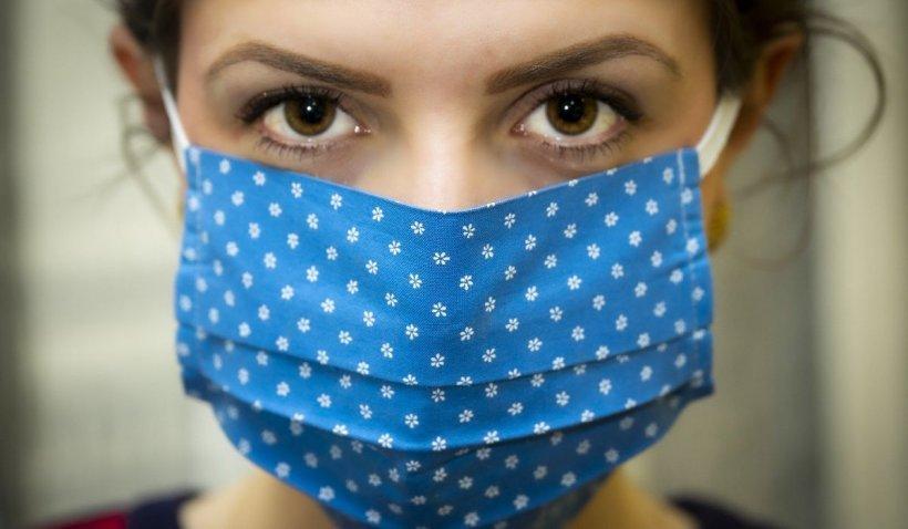 Un medic prins de radar a primit o mască de protecție în loc de amendă, în SUA
