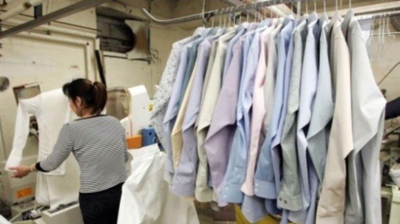 """Curățătoriile de haine din mall-uri, obligate să rămână deschise. Patronii scriu Guvernului: """"Lăsați-ne să închidem!"""""""