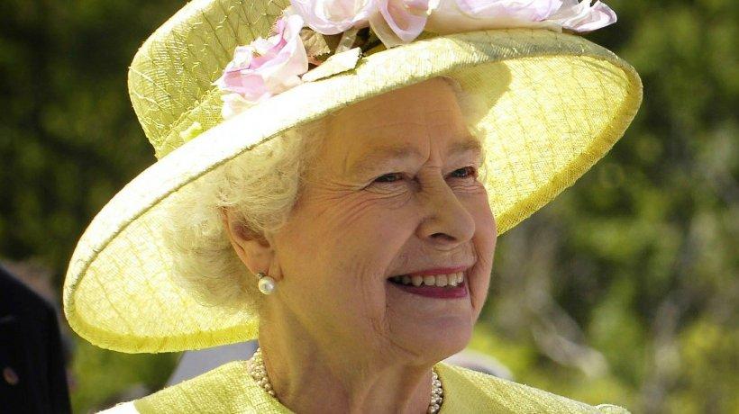 Apariţie istorică a Reginei Marii Britanii: ''Dacă vom fi uniţi şi determinaţi vom depăşi ce urmează!''
