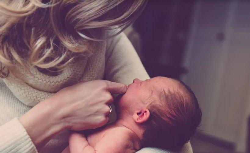 Mămica unui bebeluș din Timișoara infectat cu COVID-19 în maternitate: 'Am trăit un film de groază'