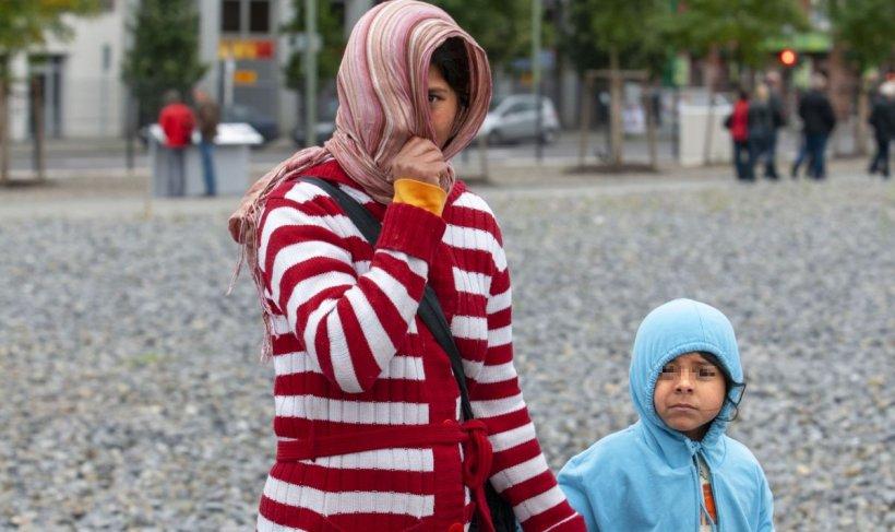 După ce s-au întors în ţară în plină pandemie, românii din Gorj cer ajutoare sociale