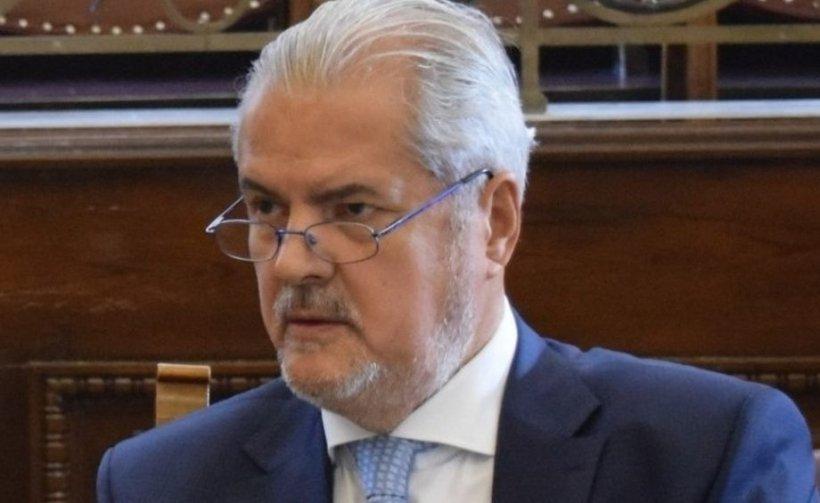 Adrian Năstase: Oamenii politici ar trebui să pregătească ieșirea din viitoarea criză economică