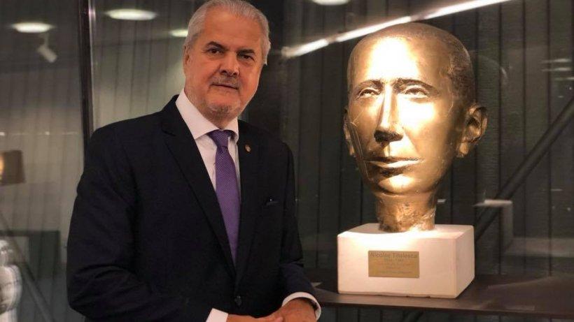 Adrian Năstase: În această criză, PSD-ul tace cu o distincție extraordinară