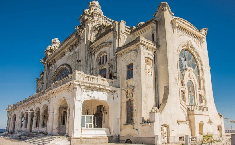 Au început lucrările de restaurare la Cazinoul din Constanţa. Când ar putea fi gata