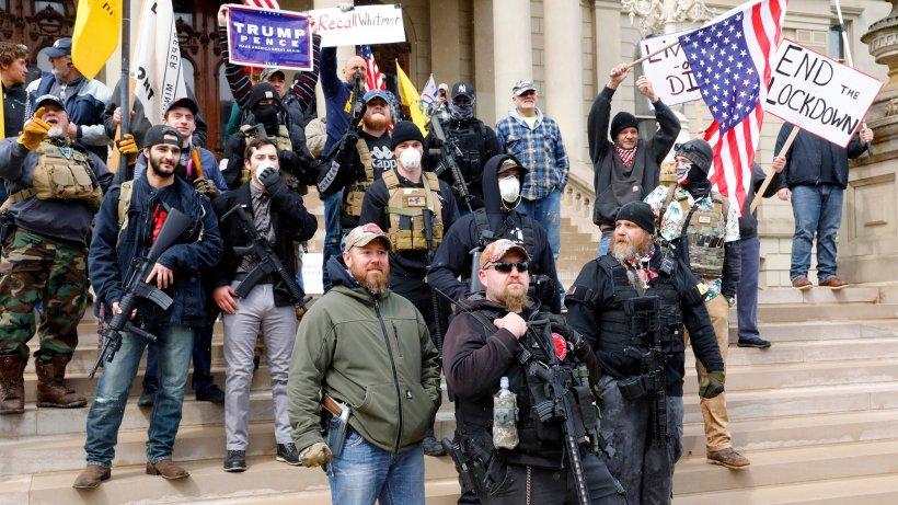 Proteste de amploare în Statele Unite. Cetățenii cer relaxarea restricțiilor