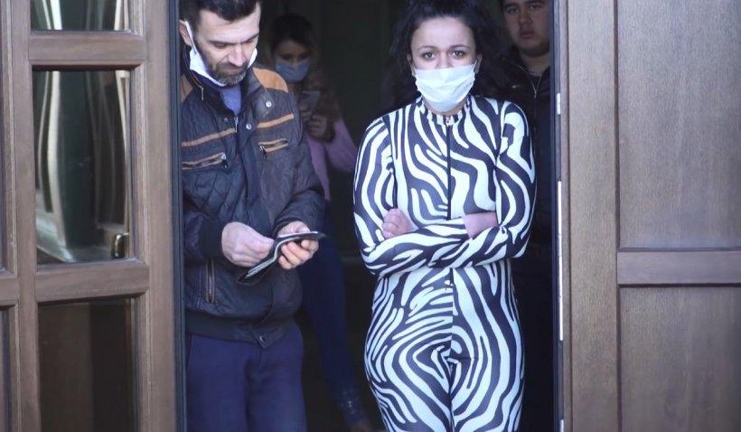 Români disperați la un centru de carantină din Suceava: 'Vrem acasă! Nu ne bagă nimeni în seamă'